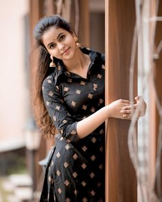 #chaitrareddy #southindianactress #sandalwood #sandalwoodactress #indianactress #indiangirl #indianmodel #camerasenthil #kannadaactress #beautifulgirl #beautifulindiangirl Kannada Actress Photograph KANNADA ACTRESS PHOTOGRAPH | IN.PINTEREST.COM FASHION EDUCRATSWEB