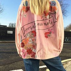 #loveit it😍😍😍  #jacket     #streetfashion #streetwear #fashion #fwinter #lace#dresses  #shoeslovers #lookoftheday #streetstyle #mystyle#heels  #lifestyles #accessories #paris #luxuryfashion #luxurylife #hautecouture