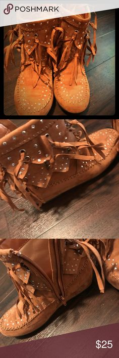 Sued Moccasin Boots New worn for photoshoot Justice Shoes Ankle Boots & Booties
