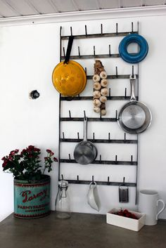 Dear goodness, I adore this rack. Vintage House: KITCHEN RENOVATION PART 16: THE WALL