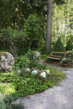 Lohjanharjulla sijaiseva puutarha on kuin vihreä keidas
