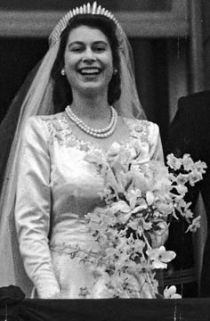 Brides dream about finding the most appropriate wedding day, however for this they require the perfect wedding dress, with the bridesmaid's dresses enhancing the brides-to-be dress. Here are a number of ideas on wedding dresses. Young Queen Elizabeth, Princess Elizabeth, Princess Margaret, Princess Diana, Queen Elizabeth Wedding, Royal Brides, Royal Weddings, Elisabeth Ii, Royal Queen