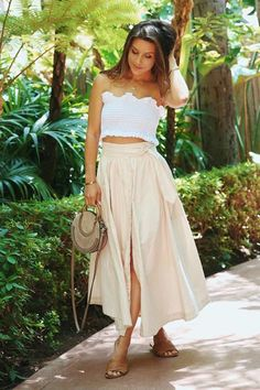17 Fresh Fall Fashion Outfits To Update Your Closet In 2018 - Hi Giggle! Fall Fashion Outfits, Autumn Fashion, Skirt Fashion, Womens Fashion, Fashion Updates, Midi Skirt, Fresh, Crop Tops, Skirts
