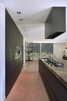Modern kitchen design - High ■ Exclusive living and garden inspiration. Modern kitchen design - High ■ Exclusive living and garden inspiration.Coat rack Jeff - REMCOWith a nice color you really brighten up your kitchen White Wood Kitchens, Happy New Home, Contemporary Kitchen Design, Home Design Plans, Kitchen On A Budget, Home And Deco, Bathroom Interior, Home Kitchens, Kitchen Remodel