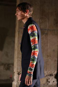 Raf Simons   Spring 2015 Menswear #print #tropical #asian