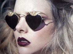soft grunge~these sunglasses are sick Soft Grunge, Grunge Look, Grunge Style, Heart Shaped Glasses, Heart Glasses, Nice Glasses, Dark Style, My Style, Ray Ban Sunglasses