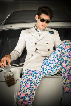 those floral pants, the entire outfit, the hair, Awesome!