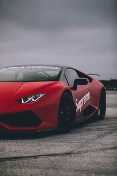 The Lamborghini Huracan was debuted at the 2014 Geneva Motor Show and went into production in the same year. The car Lamborghini's replacement to the Gallardo. The Huracan is available as a coupe and a spyder. Top Luxury Cars, Luxury Sports Cars, Cool Sports Cars, Super Sport Cars, Cool Cars, Super Cars, Car Iphone Wallpaper, Sports Car Wallpaper, Car Wallpapers