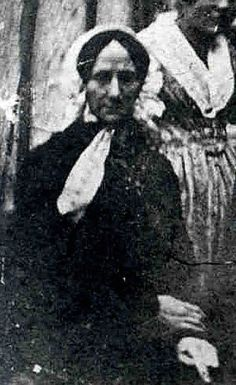 An early photograph or daguerreotype purporting to show Constanze Mozart, widow of Wolfgang Amadeus, age 78 in Weird Pictures, Old Pictures, Old Photos, Beautiful Pictures, Leopold Mozart, Bela Bartok, Dominique, Daguerreotype, Opera Singers