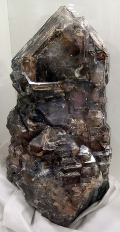 Smoky quartz from the Museo di storia naturale in Florence - http://www.gemcoach.com/smoky-quartz-guide/