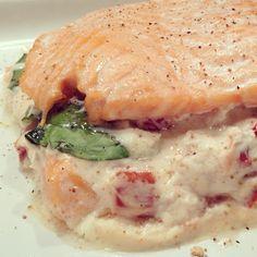 A tester absolument! Saumon, ricotta, basilic et tomates séchées