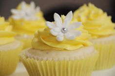 yellow and silver cupcakes - Bing Images