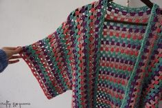 Free pattern from jullie weten a gorgeous granny stripe vest, Rabbithole Cardigan Blouse Au Crochet, Gilet Crochet, Black Crochet Dress, Crochet Cardigan Pattern, Crochet Jacket, Crochet Shawl, Knit Crochet, Crochet Vests, Crochet Afghans