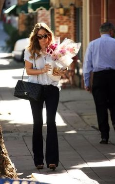 lauren conrad - makes me miss Spring days spent in California when I'd buy myself flowers :)