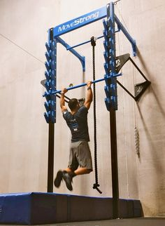 Here are a few tips for learning the technique to develop strength and skills to conquer the MoveStrong Salmon Ladder. Outdoor Garden Rooms, Outdoor Gym, Outdoor Workouts, Home Gym Garage, Gym Room At Home, Outdoor Fitness Equipment, No Equipment Workout, Gym Setup, Kids Basement