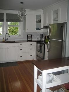 sweet simple kitchen-- I like this more than any other one I've seen
