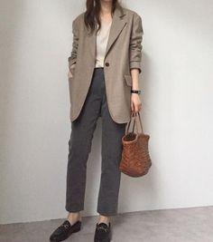 Korean Street Fashion - Life Is Fun Silo Daily Fashion, Office Fashion, Work Fashion, Fashion Looks, Japan Fashion, India Fashion, 70s Fashion, Winter Fashion, Vintage Fashion