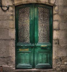 Me gusta el verde, de hecho me gustan todos los verdes...verde que te quiero verde, paredes verdes, puertas verdas, ventanas verdes, vigas verdes. ...