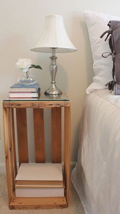 DIY - Fruit Crate turned Night Stand / Bedside Table, with glass top Home Bedroom, Bedroom Decor, Creation Deco, Decoration Design, My Room, Home Projects, Diy Furniture, Diy Home Decor, Sweet Home