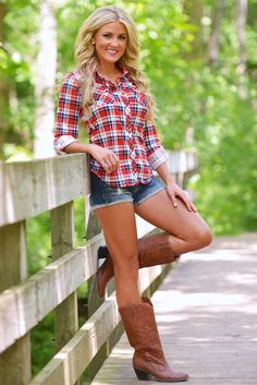 Artfact Scene 2, Heroine's clothing. Fitted plaid shirt, blue denim cutoff shorts,Hair is down.