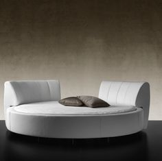 The Luna round bed is a double, Reflex Angelo
