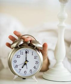 How Daylight Saving Time Affects Your Health | It's that time of year again. Don't let the time change get your body off track.