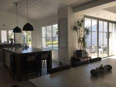 iledereloc.com: Belle maison contemporaine d'architecte 10 à 12p. avec piscine chauffée.