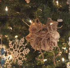 The Other White House: 12 Days of Christmas Day 7~ No sew mini burlap wreath ornament