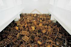 Tadashi Kawamata - Chaises de traverse - 1998