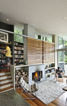 Apple Bay House floats amongst the trees in New Zealand