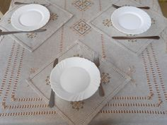 Linen embroidered tablecloth and 6 napkins linen set linen Lino Natural, Natural Linen, Linen Tablecloth, Linen Napkins, Romantic Table, Fancy, Bargello, Silk Thread, Beige Color