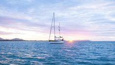 📸@kelanabykayla cruising on sparkling waters at Grays Bay... #lovewhitsundays #thisisqueensland #seeaustralia