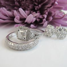 Create your dream bridal set with York Jewellers.