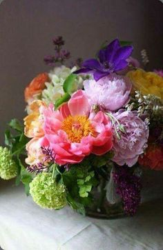 16 New Ideas For Wedding Flowers Bouquet Ana Rosa Fresh Flowers, Colorful Flowers, Beautiful Flowers, Deco Floral, Arte Floral, Floral Design, Beautiful Flower Arrangements, Floral Arrangements, Ikebana