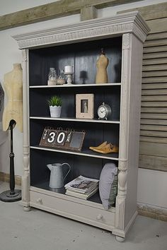 Dont like black interior Large Dutch Shabby Chic Rustic Bookcase artwork Shabby Chic Dresser, Rustic Bookcase, Distressed Furniture, French Style Bedroom Furniture, Chic Bedroom, Furniture Makeover, Shabby Chic Furniture, Shabby Chic Homes, Chic Home Decor