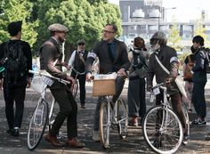 Norwegian Rain x Tokyo Tweed RunWhat better way to welcome the cold season that to suit up in tweed and ride your bike along fellow gents? That's just what the Tweed Run is all about, a celebration of tweed as one of the most outstanding fabrics around and bikes as a great way to commute. After hopping across the pond to Tokyo in