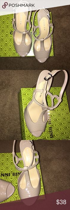 Gianni Bini T Strap sandals Stylish comfy high heels. Worn only once. Grid Taupe color. Gianni Bini Sharla sandals. Original box included Gianni Bini Shoes Heels