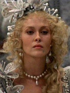 faye dunaway in three musketeers Costume Wigs, Costumes, Faye Dunaway, The Three Musketeers, Headpiece, Movie Stars, Actresses, Actors, Peplum