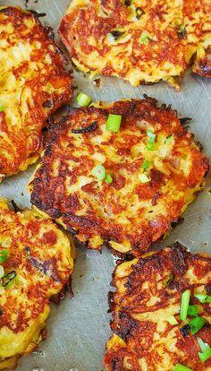 Bacon spaghetti squash fritters are Gluten Free and delish! ~ http://juliasalbum.com/2014/09/bacon-spaghetti-squash-fritters-recipe/