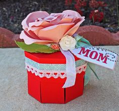 A Gift for Mom: Made with Tags, Bags, Boxes & More 2 and Giant Flowers cartridges #cricut