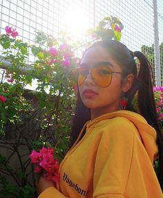 Andreaaaa 😍 Filipina Actress, Filipina Beauty, Celebrity Singers, Woman Standing, School Fashion, Kos, Pretty Girls, My Idol, Actresses