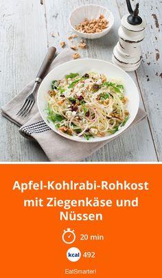Apfel-Kohlrabi-Rohkost mit Ziegenkäse und Nüssen