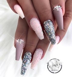 Nail art Christmas - the festive spirit on the nails. Over 70 creative ideas and tutorials - My Nails Glam Nails, Bling Nails, Glitter Nails, Cute Nails, Pretty Nails, Elegant Nail Designs, Elegant Nails, Ballerina Nails, Luxury Nails