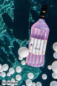 Rosé Bottle Pool Flo