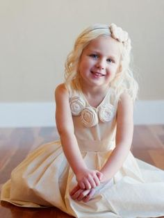 A photo of a 1920s style flower girl dress or a  gatsby wedding