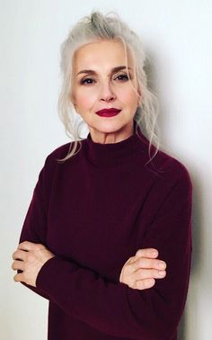 Salt and pepper gray hair. Grey hair. Silver hair. White hair. Granny hair don't care. No dye. Dye free. Natural highlights. Aging and going gray gracefully. http://niffler-elm.tumblr.com/post/157400579231/hairstyle-ideas-hair-styling-ideas-with-braids