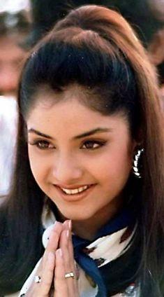 DIVYA BHARTI Very Beautiful Woman, Beautiful Women Pictures, Beautiful Girl Image, Photos Of Women, Star Beauty, Beauty Full Girl, Beauty Women, Beautiful Bollywood Actress, Most Beautiful Indian Actress