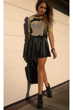 Pleated Leather Skirt. Tried an identical one on at H & M but it was too shorttt:/