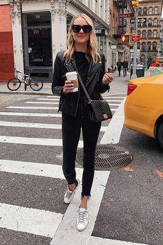 nyc winter outfits Fashion Jackson Wearing Black Leather Jacket Black Tshirt Black Skinny Jeans Golden Goose Sneakers Chanel Black Boy Bag New York Street Style New York Street Style, Rihanna Street Style, European Street Style, Model Street Style, New York Style, Chanel Street Style, Nyc Fashion, Look Fashion, Autumn Fashion