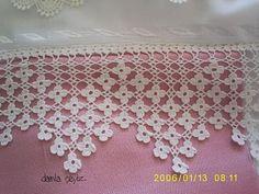 Lace edging: Wonderful combination of filet crochet and Solomon's knot in a diamond shape within the points Crochet Edging Patterns, Crochet Lace Edging, Crochet Borders, Crochet Designs, Crochet Doilies, Crochet Flowers, Filet Crochet, Crochet Diy, Crochet Shawl